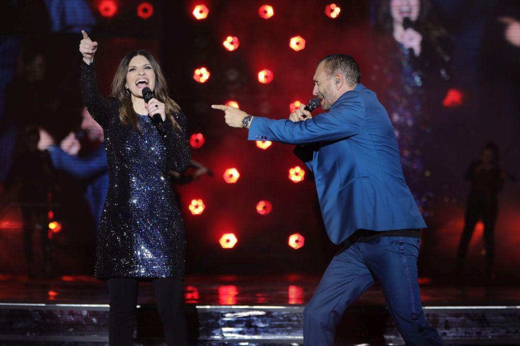 Laura Pausini e Biagio Antonacci in concerto a San Siro - VIDEO