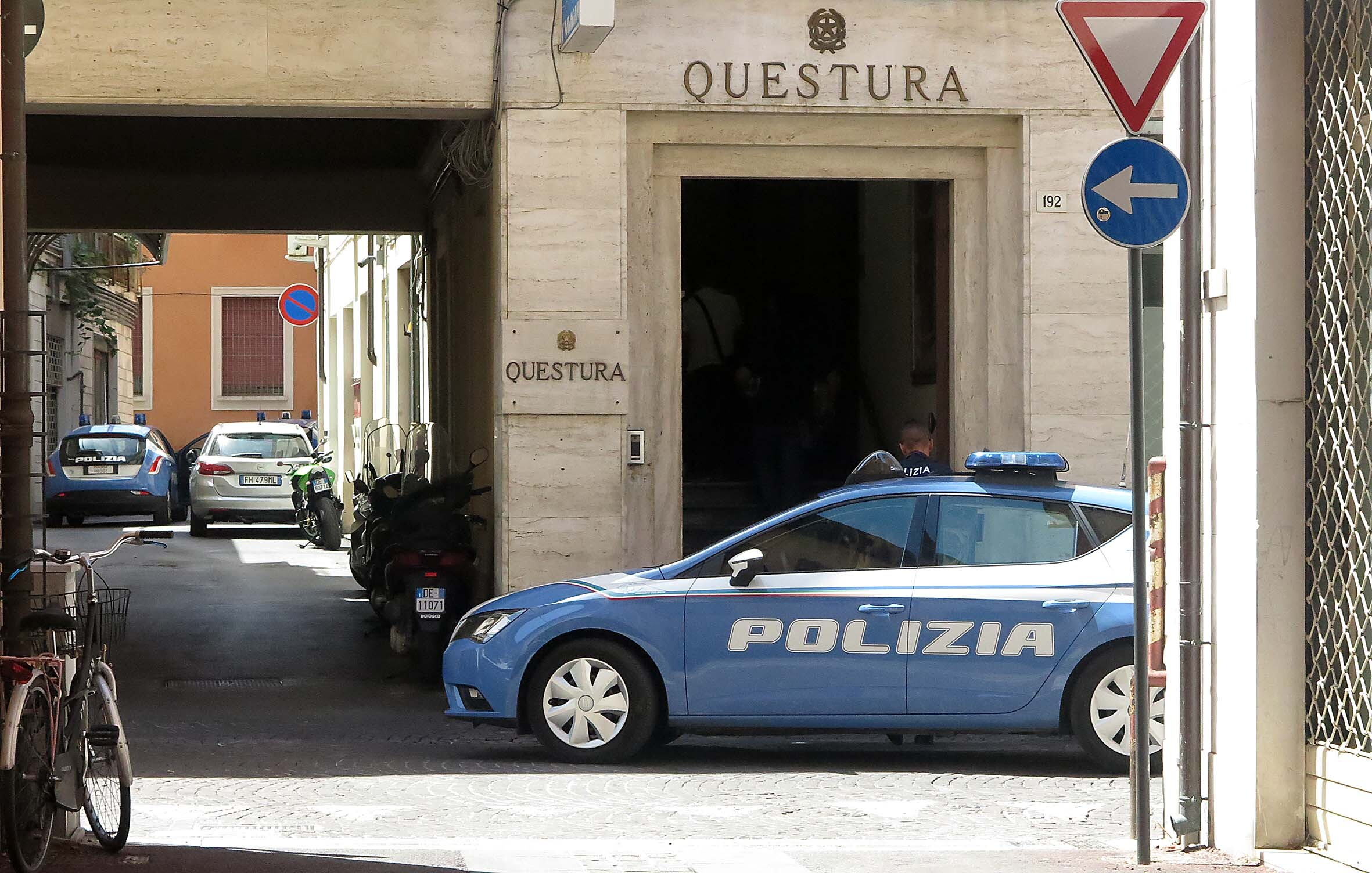 Rimini, arrestato per furto nella nuova questura
