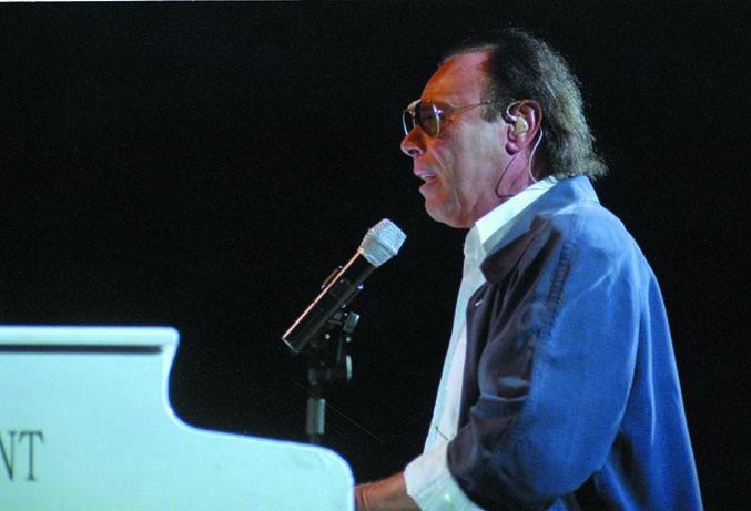 Venditti in concerto a Cervia