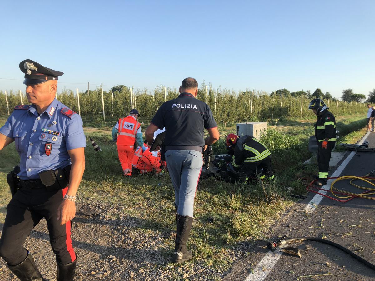 Incidente a Cesena: morti 4 giovani in via Dismano - VIDEO