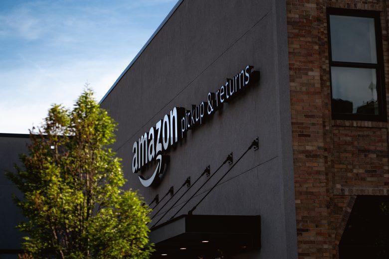 Amazon apre un deposito a Santarcangelo: 20 dipendenti e 100 autisti