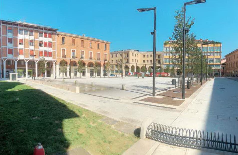 Cesena, ritardi in piazza della Libertà: penale per la ditta