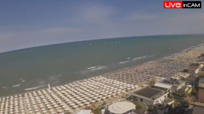Dalla devastazione alla rinascita, Milano Marittima si rialza dal tornado