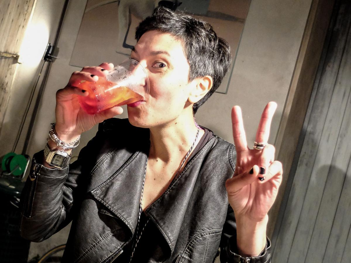 """Cocktail: """"Monica E Tonica"""", l'idea di unire gin e ceramica di Faenza"""