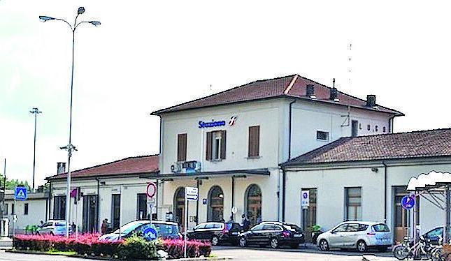 Molesta sessualmente tre ragazze tra le stazioni di Lugo e Solarolo