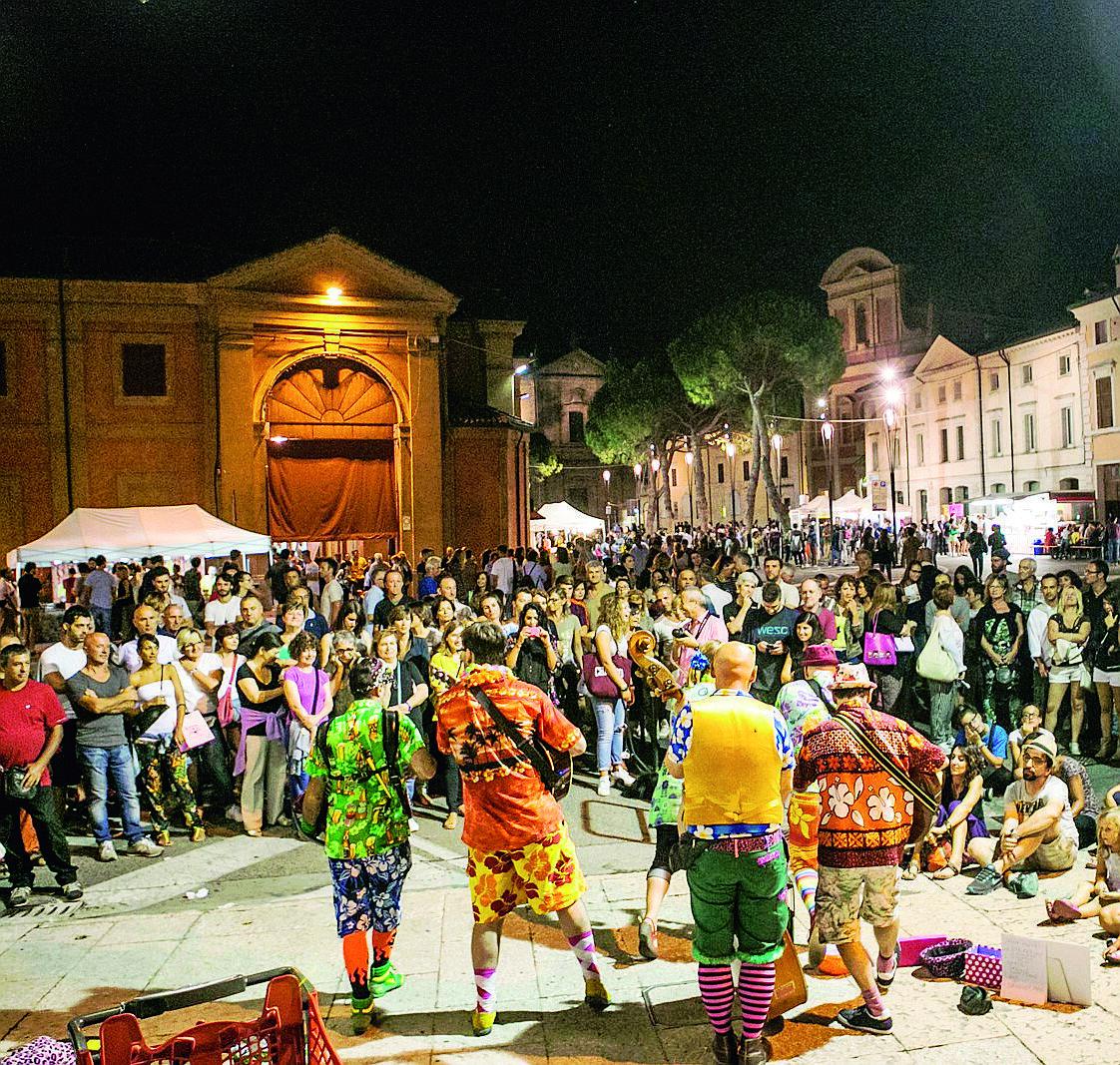 Troppo costosa, Lugo rinuncia alla tappa dei buskers di Ferrara