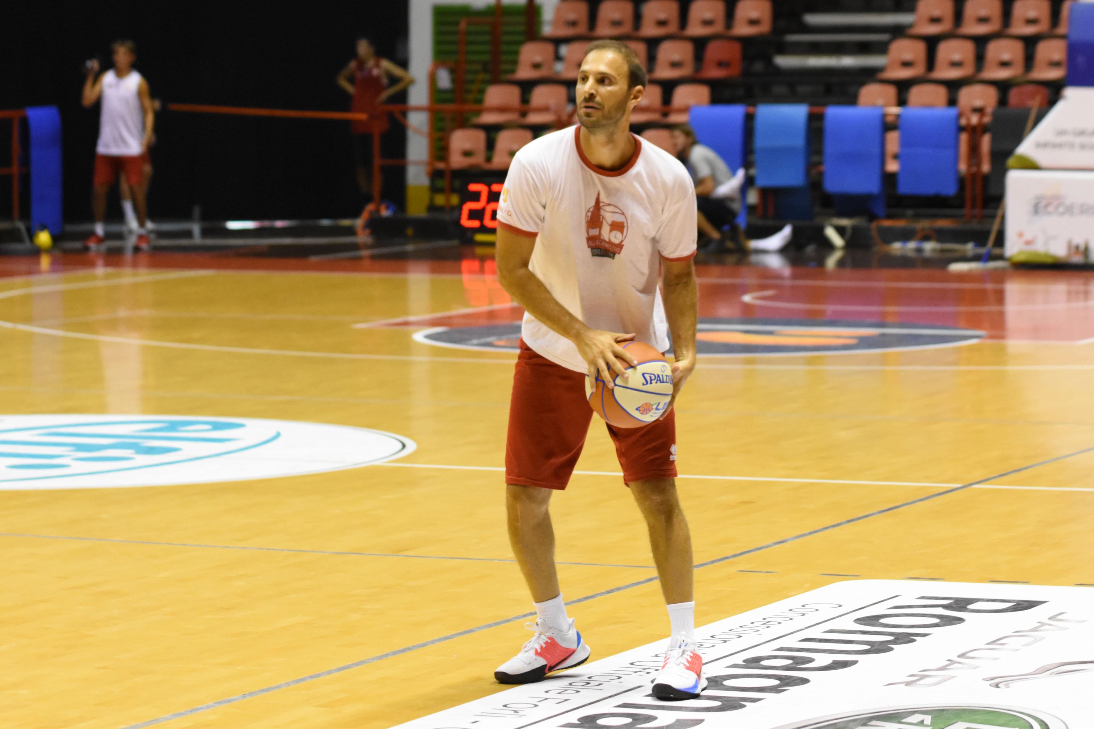 Basket, l'Unieuro vince il test di Faenza (50-74)