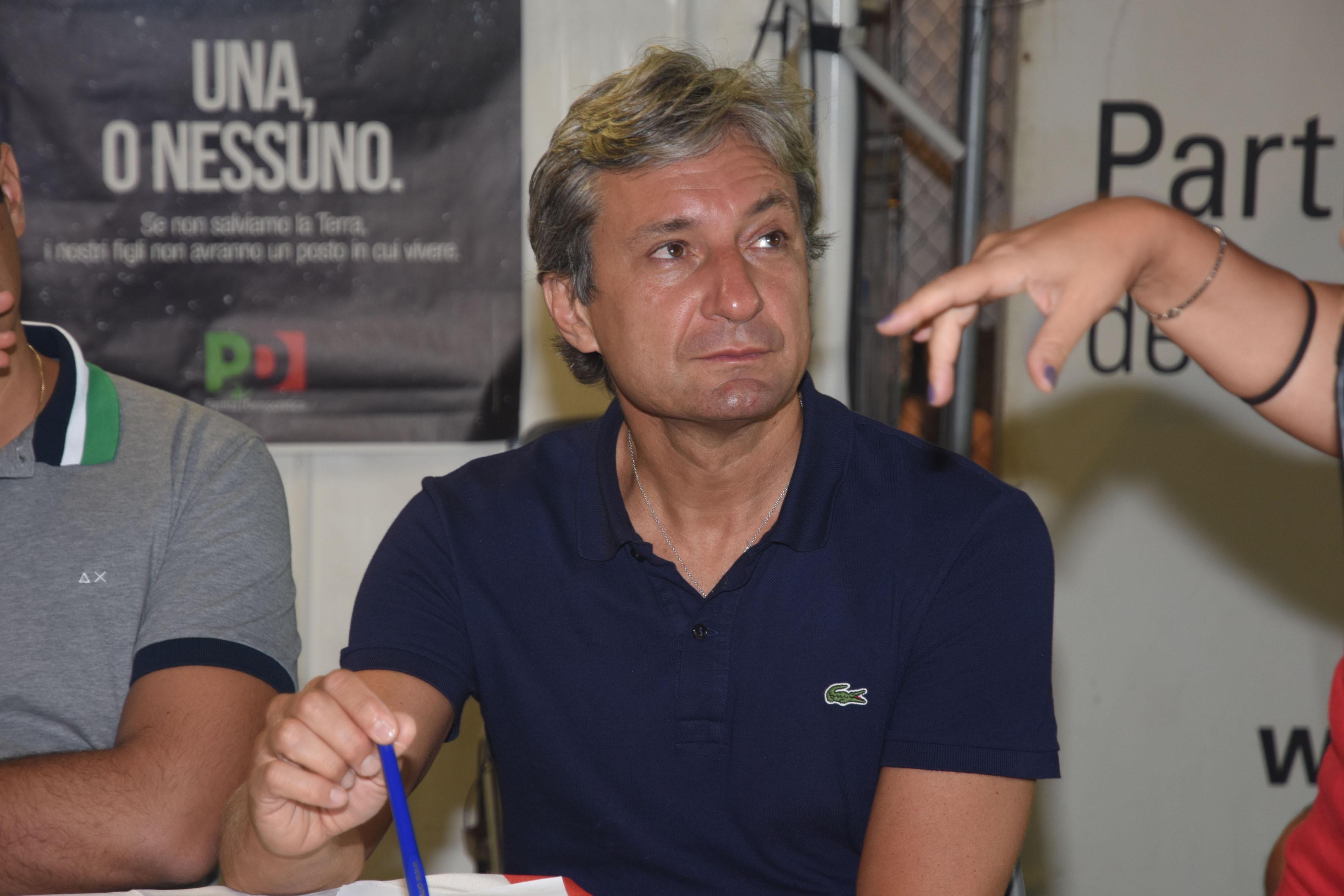 """Sgarbi promuove il sindaco di Rimini ministro: """"Gnassi è meglio di me"""""""