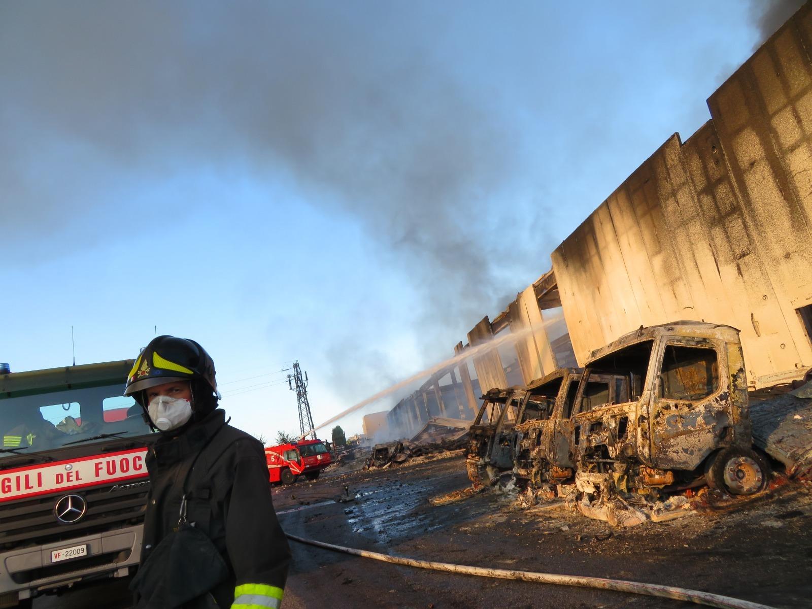 Incendio Faenza, diossina oltre i limiti in un campo di erba medica