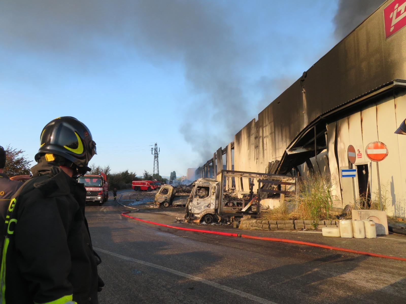 """Incendio Faenza, Arpae rileva diossine ma """"No effetti acuti per salute"""