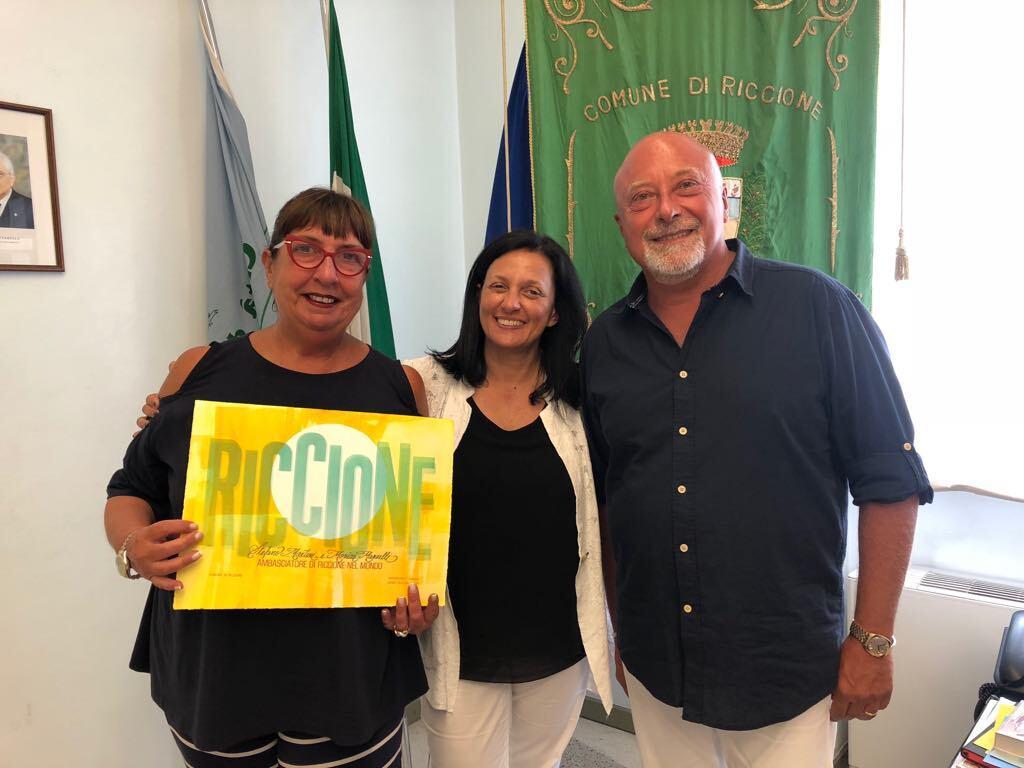 In vacanza a Riccione dal 1964, la sindaca li nomina ambasciatori