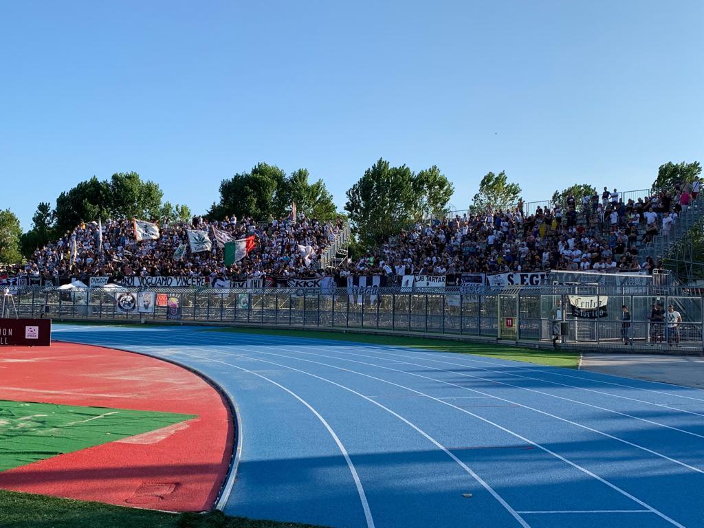 Calcio Coppa Italia C, il Cesena vince il derby di Rimini (1-2)
