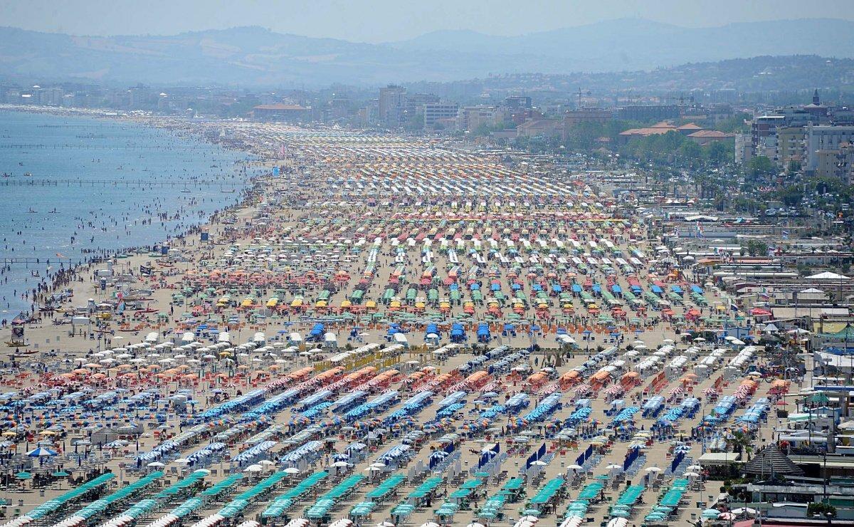 Balneazione, revocato lo stop su tutta la Riviera romagnola