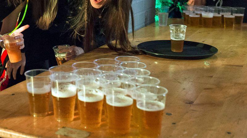 """Festa di """"birra pong"""" non autorizzata sospesa a Imola"""