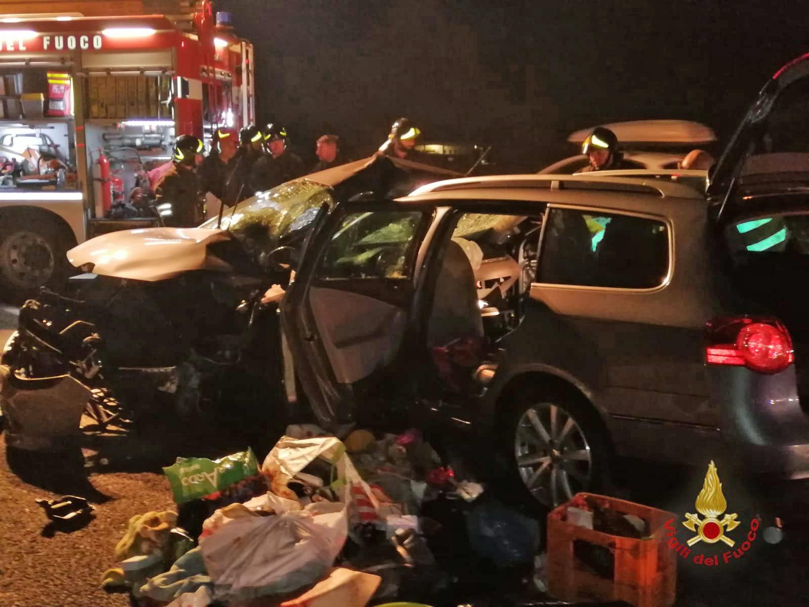Cesena, morti nudi in A14 nell'incidente: i nodi dell'indagine aperta