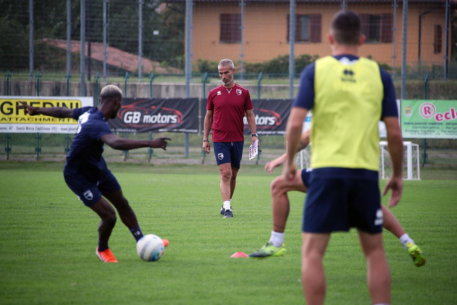 Calcio, Imolese - Triestina mercoledì 4 dicembre