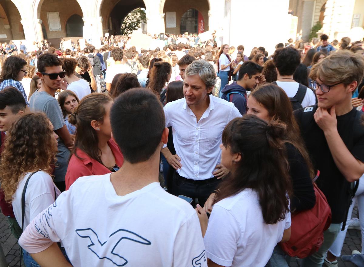 Il sindaco di Rimini: diritto di voto ai ragazzi di Fridays for future
