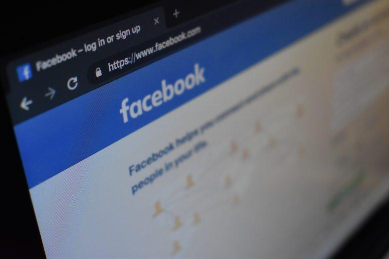 Etilometri e velox, denunce per chi faceva la spia su facebook
