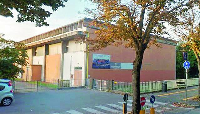 """Rimini, """"pasticcio"""" alla palestra Rinaldi. Lavori da rifare"""
