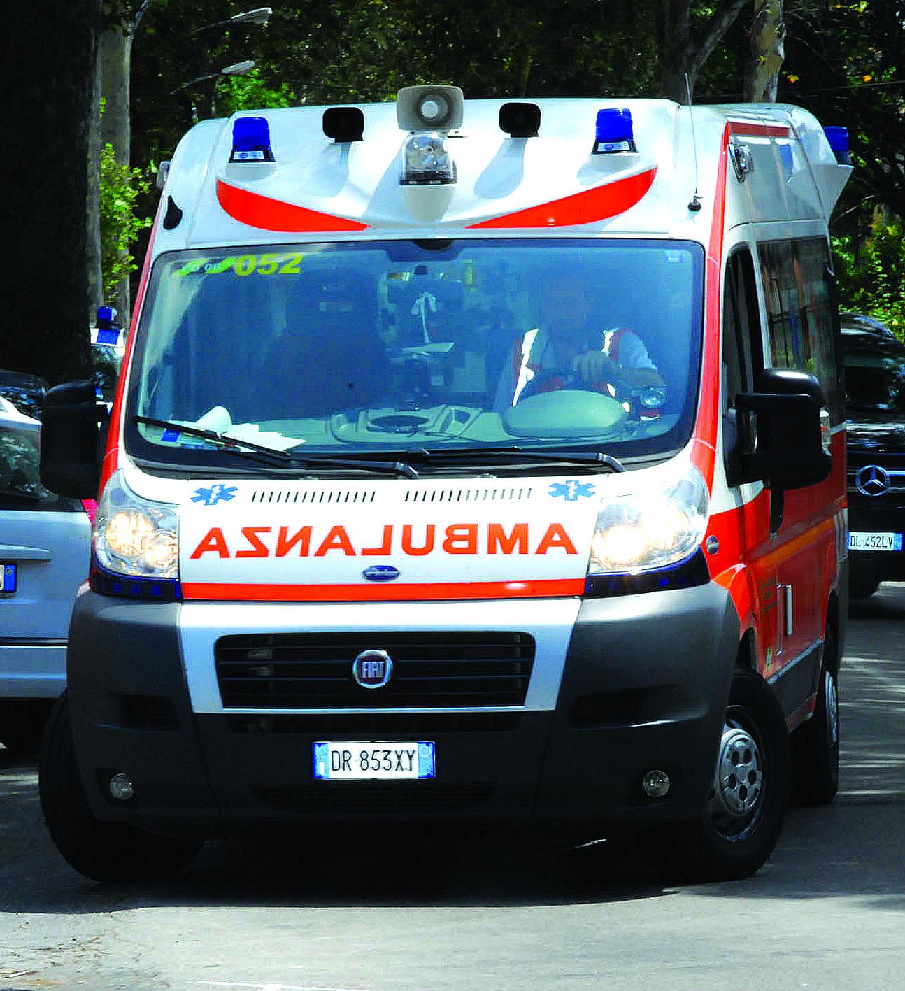 Scontro auto-bici tra Faenza e Forlì: un morto e un ferito gravissimo