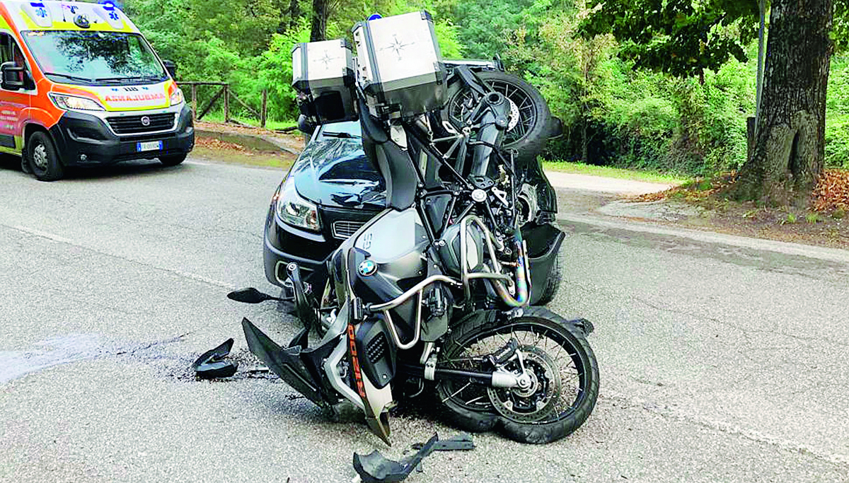 Schianto sulla Marecchiese a Novafeltria, grave motociclista 63enne