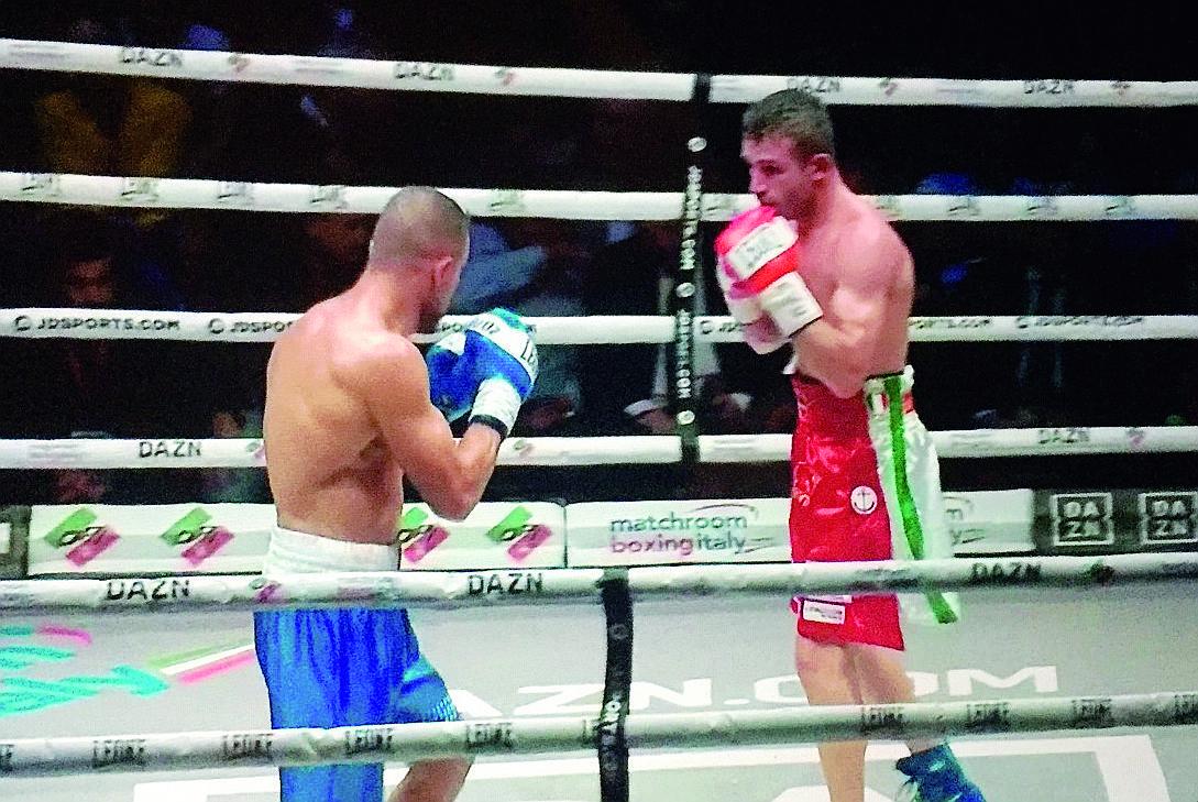 Boxe, Signani conquista il titolo europeo