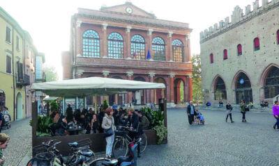 Rimini. Dehors, Soprintendenza in retromarcia