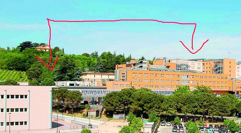 Cesena, trasloco con l'elicottero per spostare macchinari all'ospedale