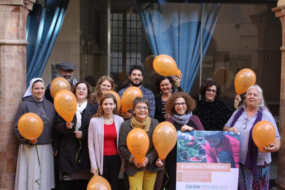 Tratta di essere umani, 270 persone seguite a Cesena