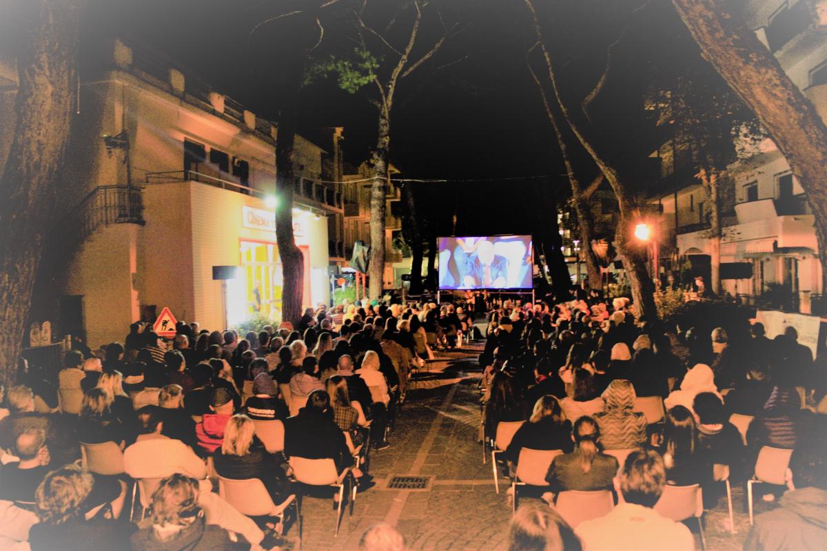Galimberti fa boom a Misano,  pubblico in strada coi maxischermi