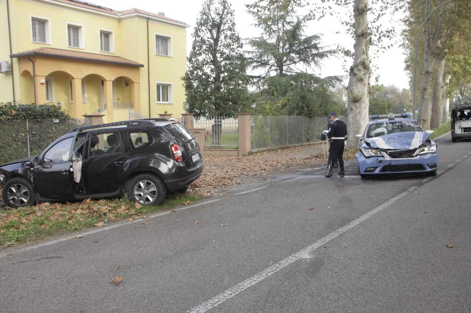 Scontro tra un suv e l'auto della Polizia, quattro feriti a Lugo