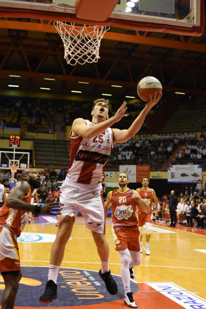 Basket A2 girone Est, Unieuro-Verona si giocherà a mezzogiorno
