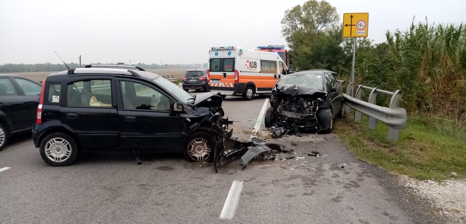 Ravenna, incidente mortale a Savio nello scontro tra due auto
