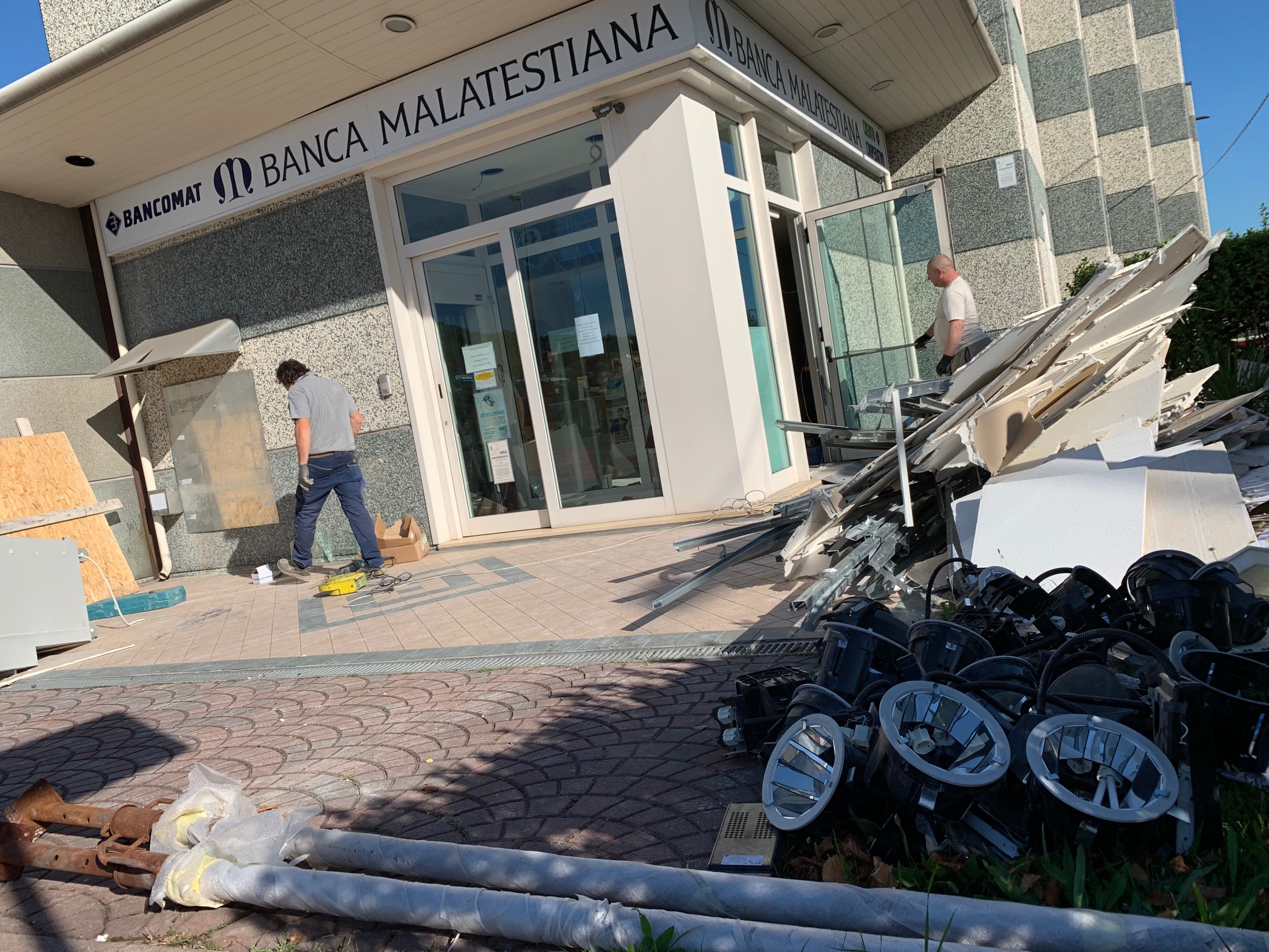 Rimini, nuovo assalto a un bancomat