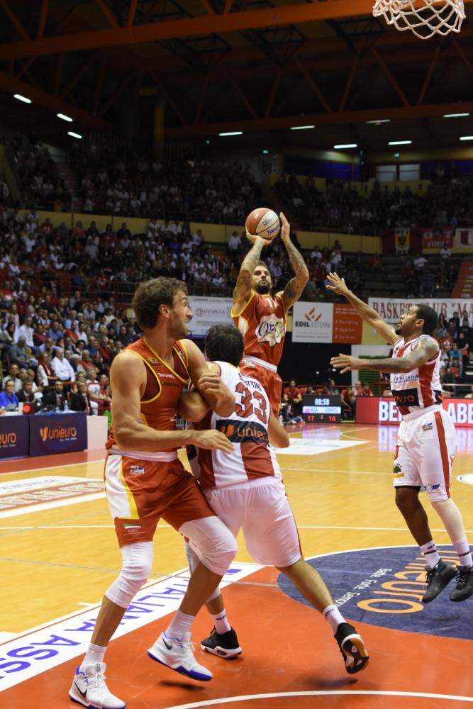 Basket A2, l'OraSì si prende il derby di Forlì (70-76)  - GALLERY