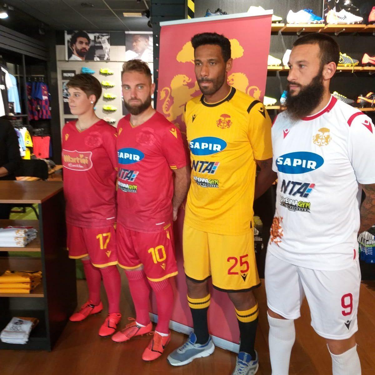 Calcio serie C, Ravenna e Cesena con vista sul derby