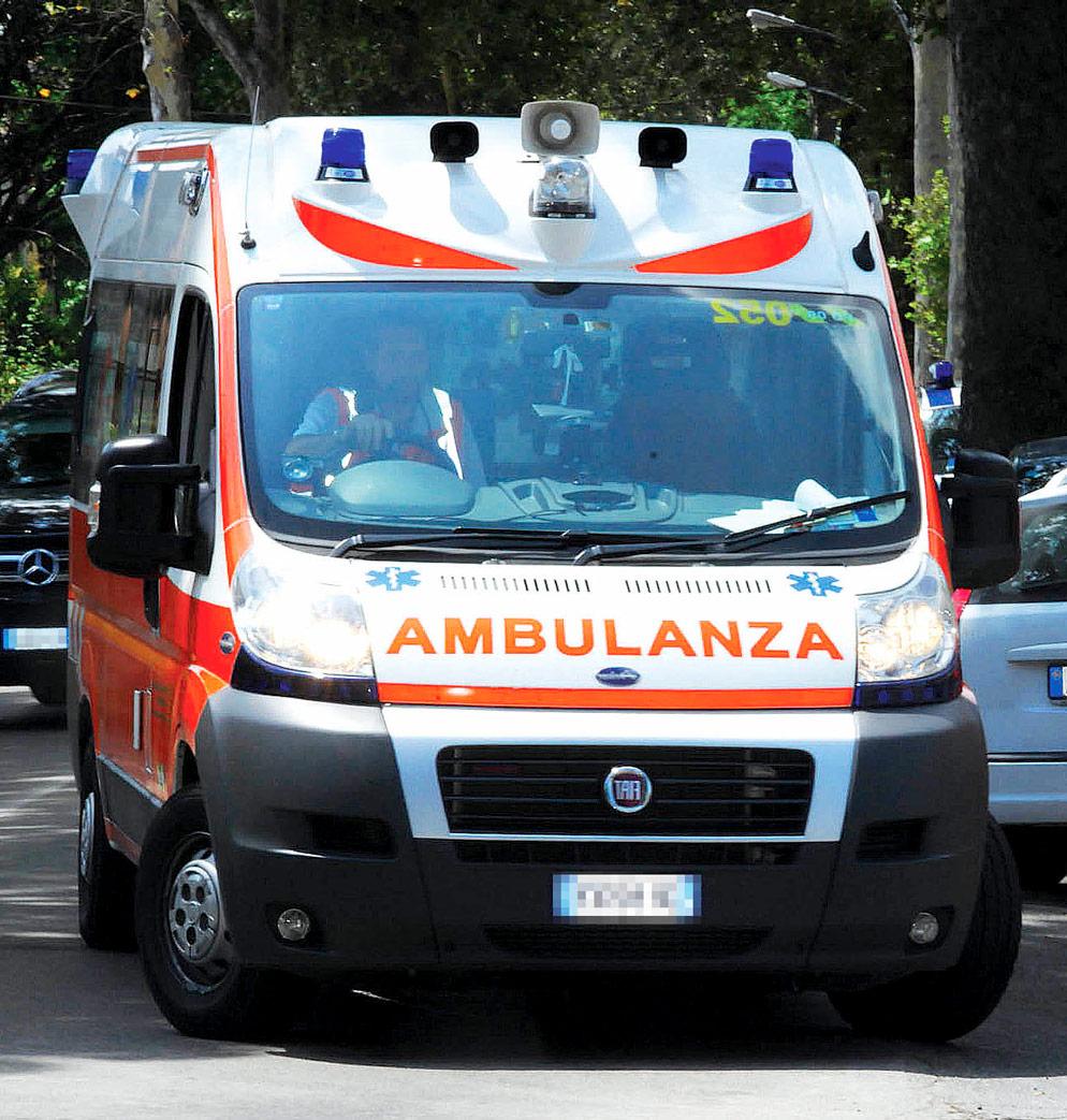 Rimini, diventa mamma mentre è bloccata nel traffico