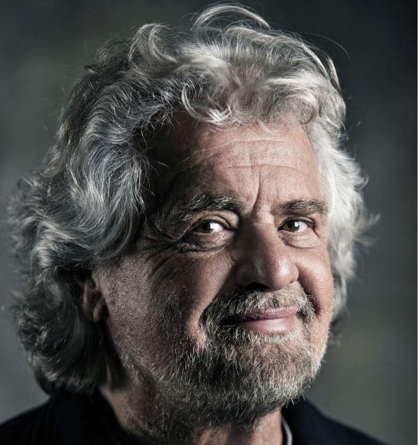 """Forlì, Beppe Grillo al teatro Fabbri con lo show """"Terrapiattista"""""""