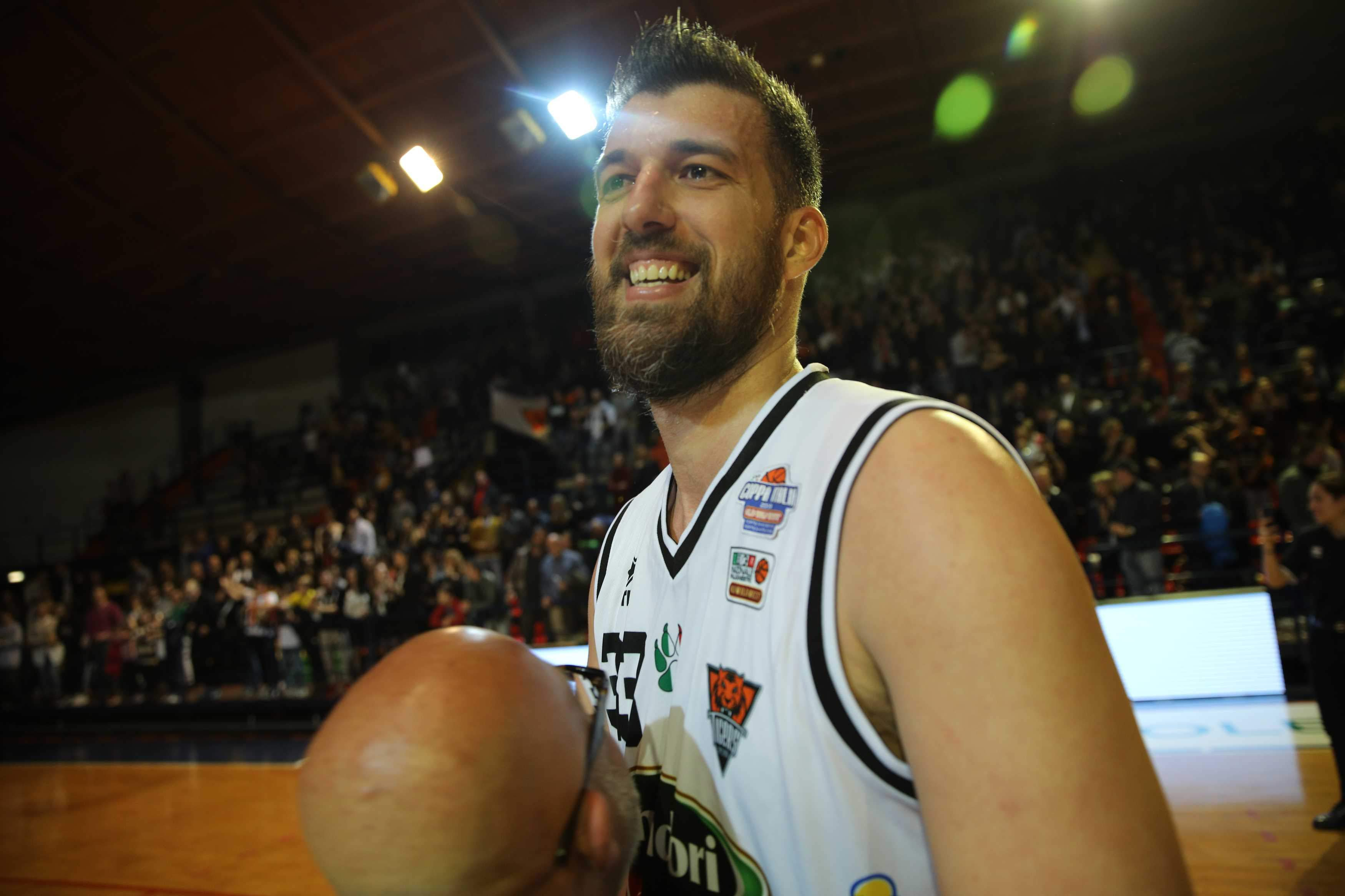 Basket B Girone C, l'Amadori perde Brkic per due giornate