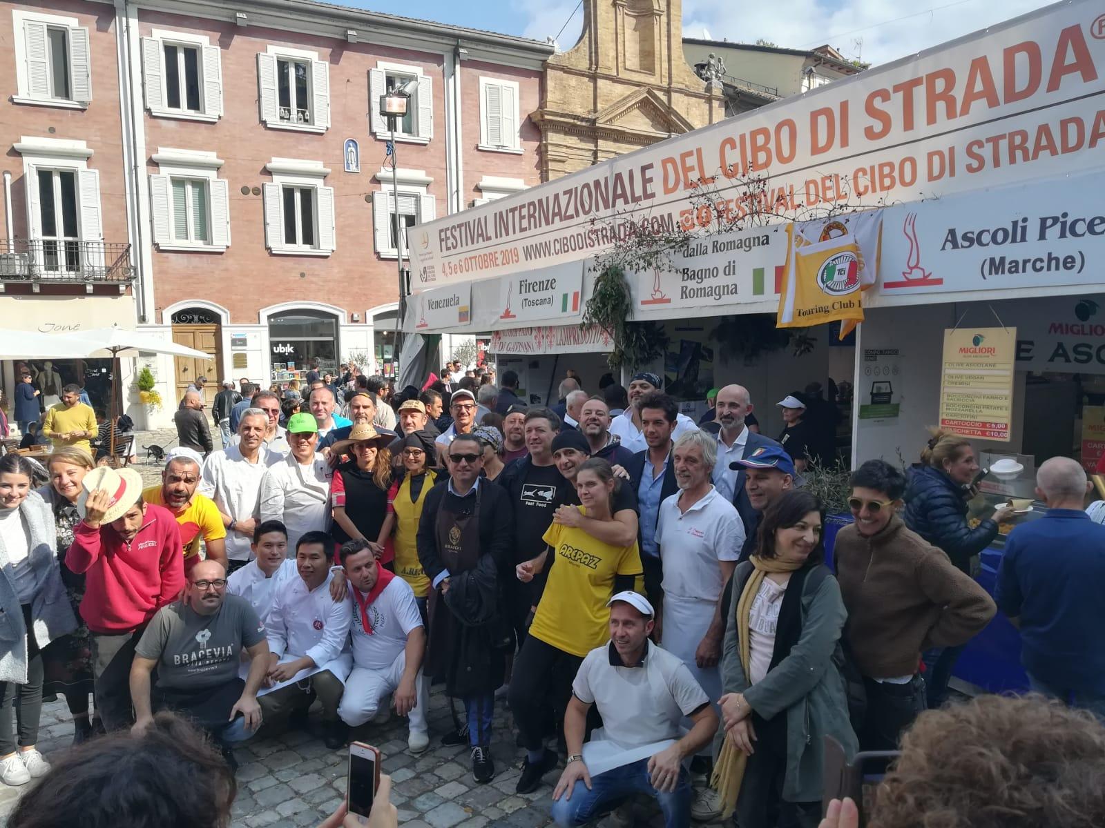 Cibo di strada, a Cesena premiati ravioli cinesi e focaccia di Recco