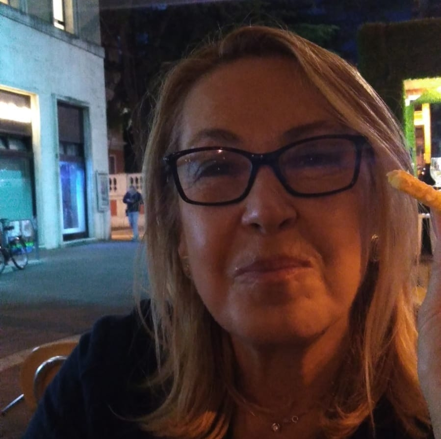 Bellaria, mangiano funghi velenosi: donna muore, grave il marito