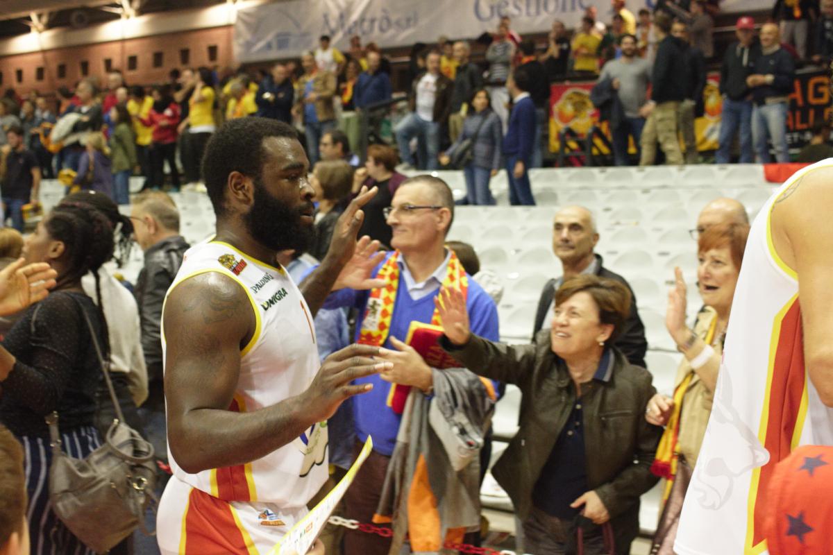 Riapre la campagna abbonamenti dell'OraSì Basket Ravenna