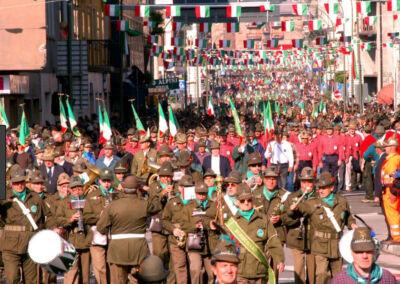 Raduno nazionale degli Alpini a Rimini, organizzazione a passo di carica