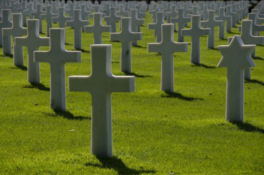 Preghiera per i bimbi mai nati nei cimiteri di Rimini e Forlì