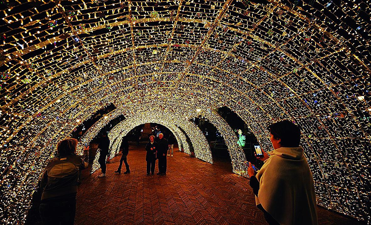 Il Natale di Milano Marittima è Wonderland. Ma ora si paga l'ingresso