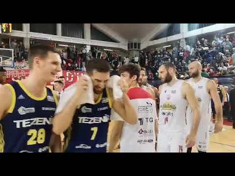 Basket, Verona ferma la serie della Naturelle - VIDEO