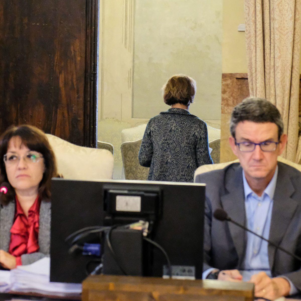 La sindaca formalizza le dimissioni Scontro finale in Consiglio