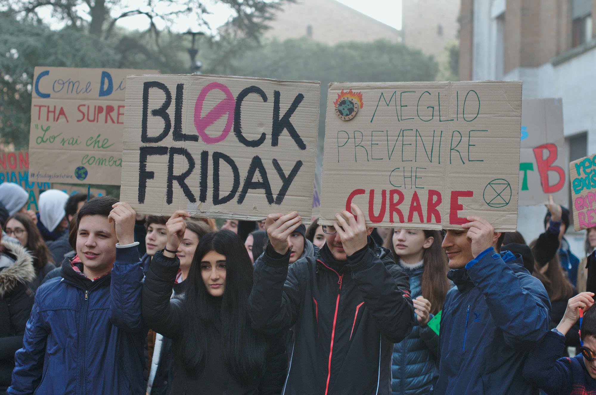 I ragazzi dei Fridays for future di nuovo in piazza a Ravenna