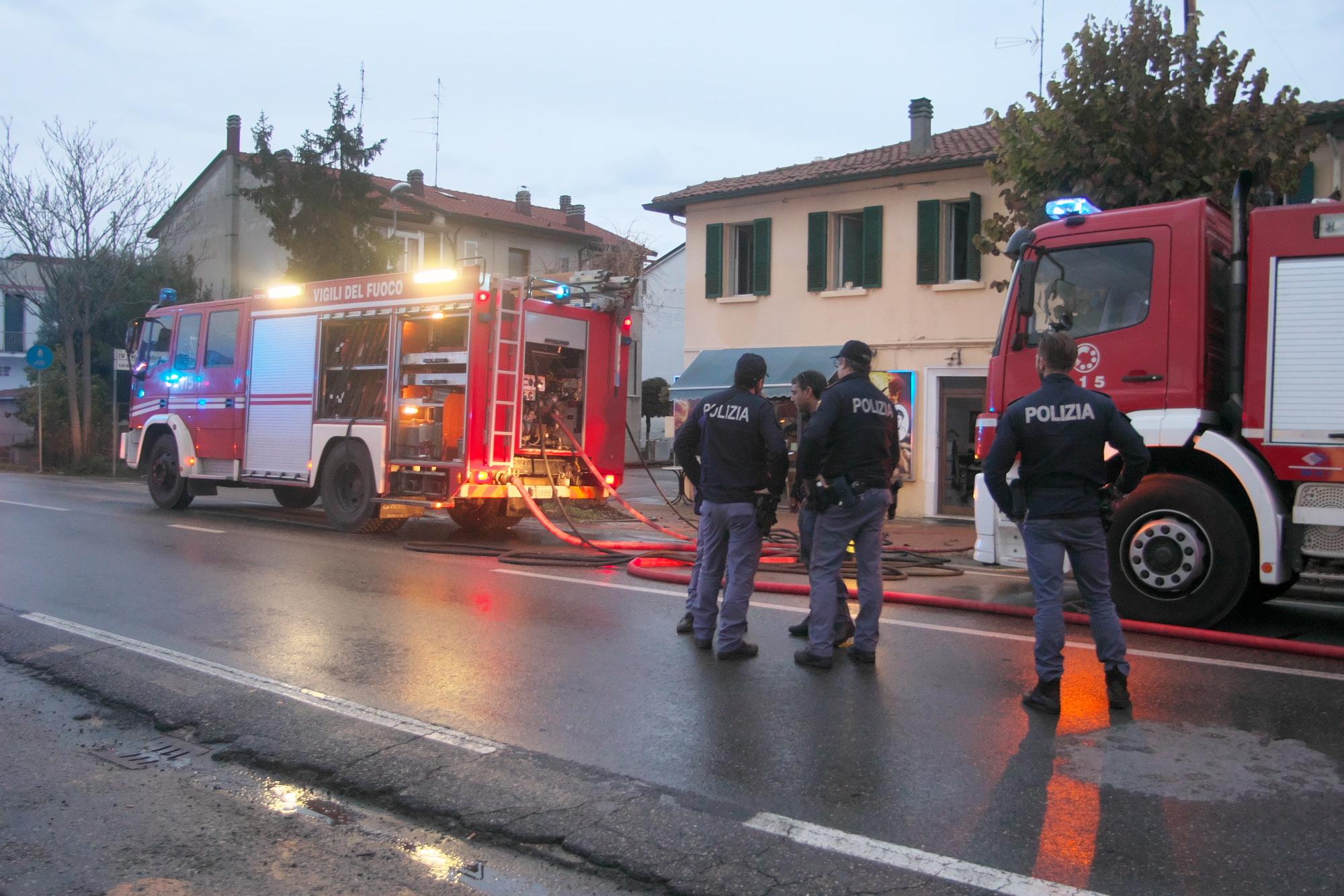 Doloso l'incendio a Sant'Agata sul Santerno, preso titolare in fuga