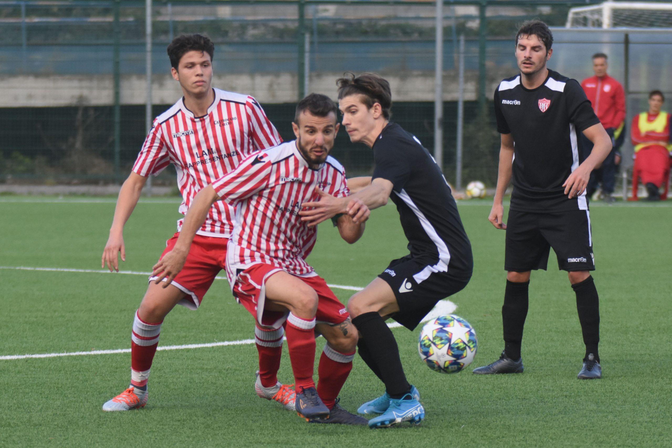 Calcio Dilettanti, giornata rinviata: si gioca solo sui sintetici